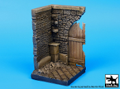 1/35 Corner with wooden gate (50 x 50 mm)